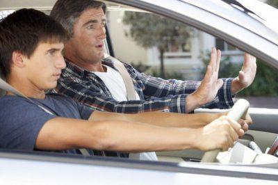 Młody kierowca - jak płacić niskie OC?